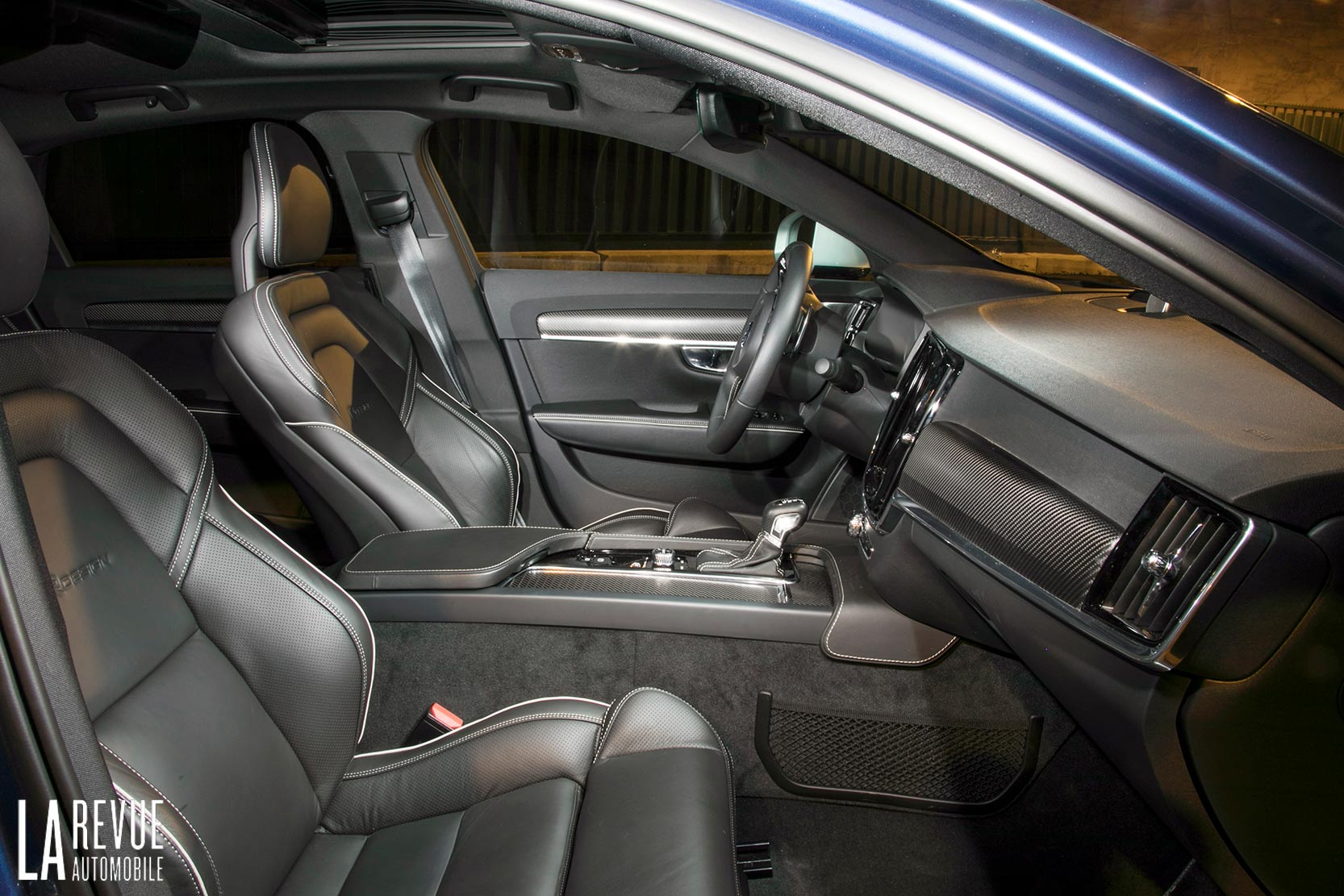 Interieur_Volvo-S90-R-Design_16