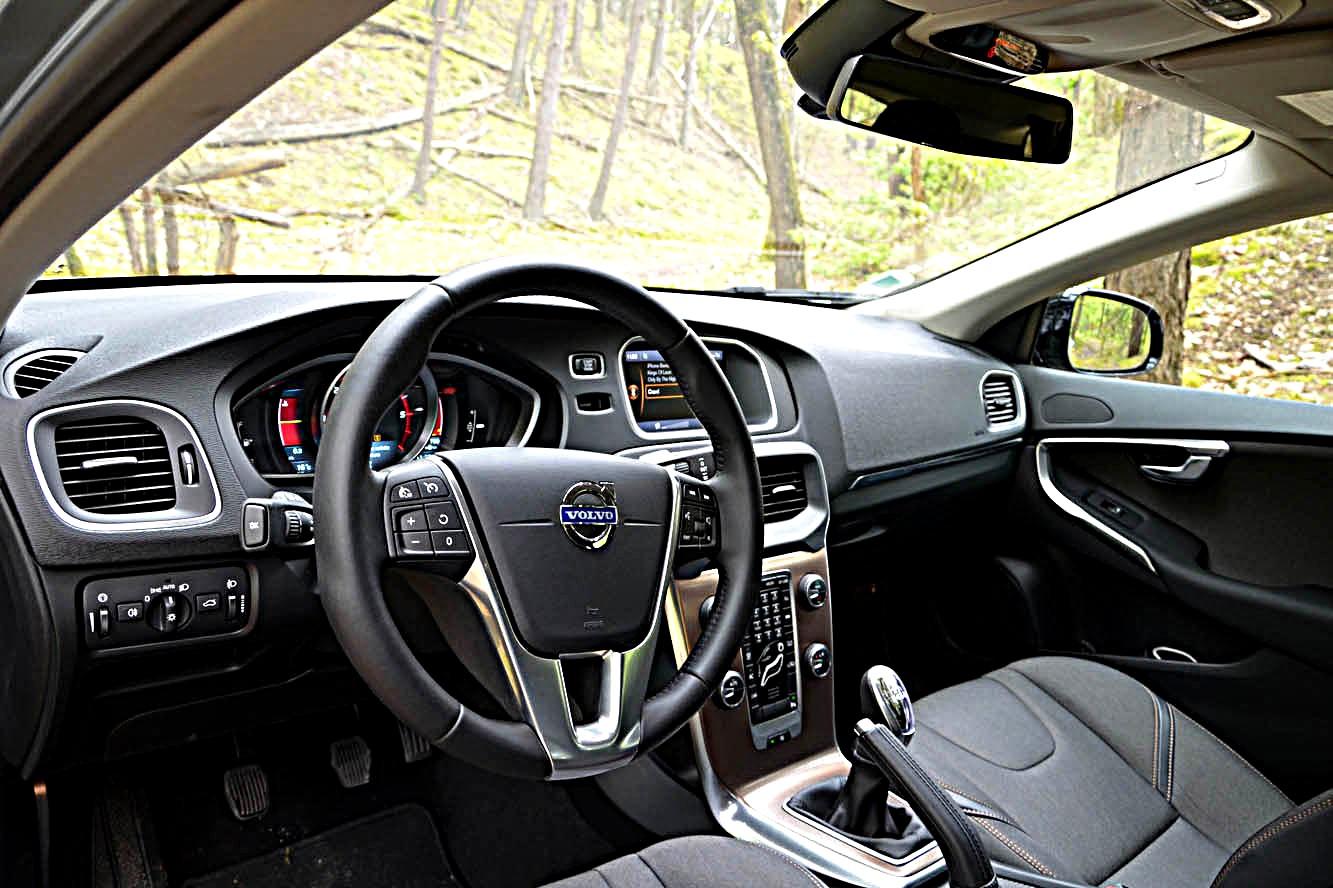 Wonderlijk Photo Volvo V40-Cross-Country-D3 Interieur / Exterieur année: 2013 ZJ-96