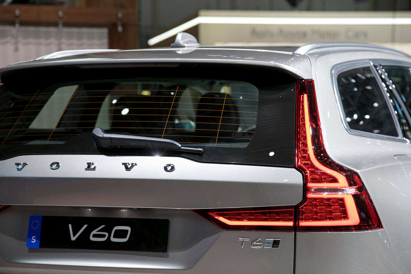volvo v60 nouvelle volvo v60 notre avis. Black Bedroom Furniture Sets. Home Design Ideas