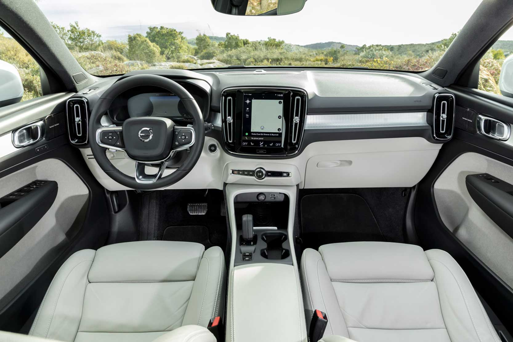 photo volvo xc40 interieur exterieur ann e 2018. Black Bedroom Furniture Sets. Home Design Ideas