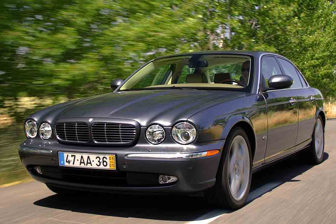 fiche technique jaguar xj 2 7d v6 bi turbo 2008. Black Bedroom Furniture Sets. Home Design Ideas