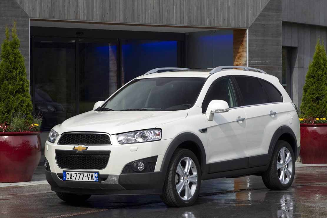 fiche technique chevrolet captiva 2 2 vcdi 184 awd bva 2012. Black Bedroom Furniture Sets. Home Design Ideas