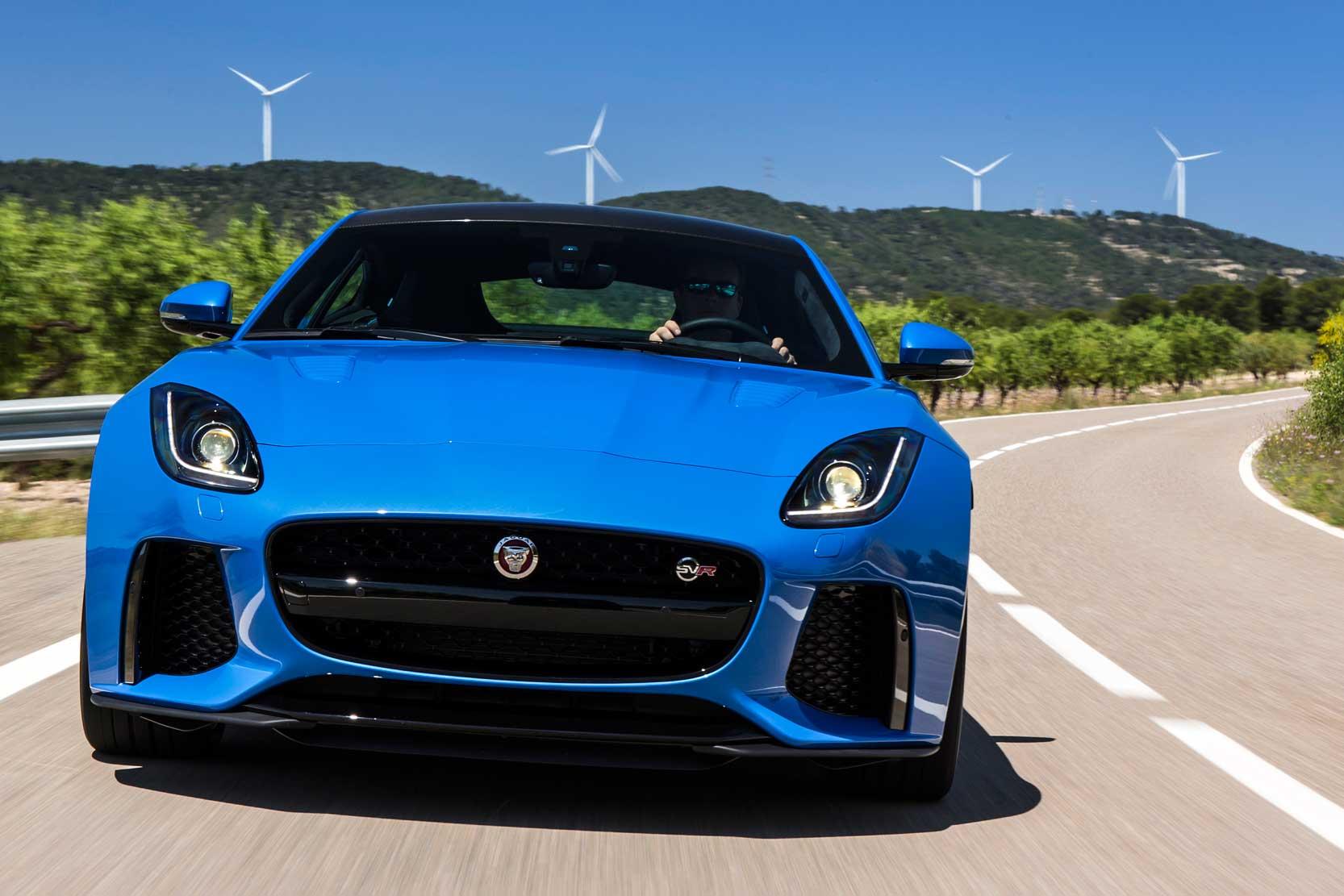 Fiche technique Jaguar F Type SVR 2019