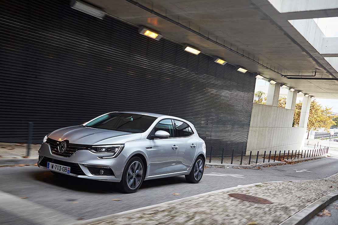 Renault Megane, nuovo motore diesel Blue dCi 1.7 e Megane ...